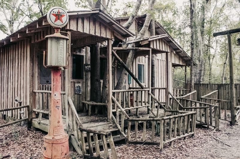Obediah's Okefenok Swamp Pioneer: Clubs The Bear Story