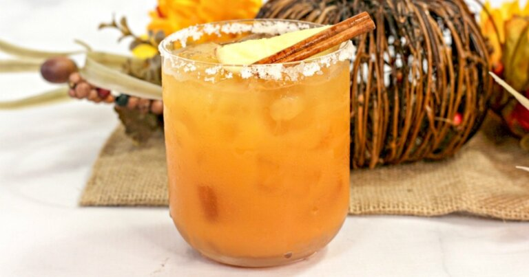 THIRSTY THURSDAY: Thanksgiving Margarita