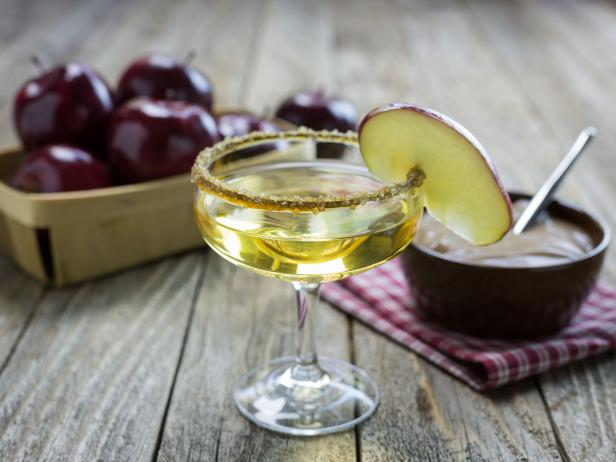 THIRSTY THURSDAY: Caramel Apple Cocktail